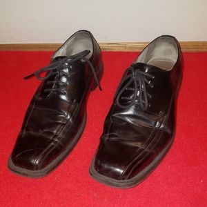Bass and Co. Black leather lined shoes. Si…